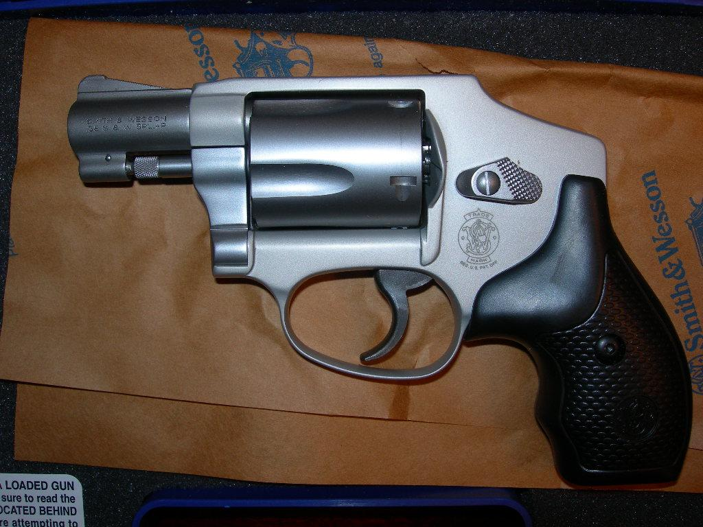 Smith & Wesson 642  NO INTERNAL LOCK .38 Special +P  Guns > Pistols > Smith & Wesson Revolvers > Pocket Pistols