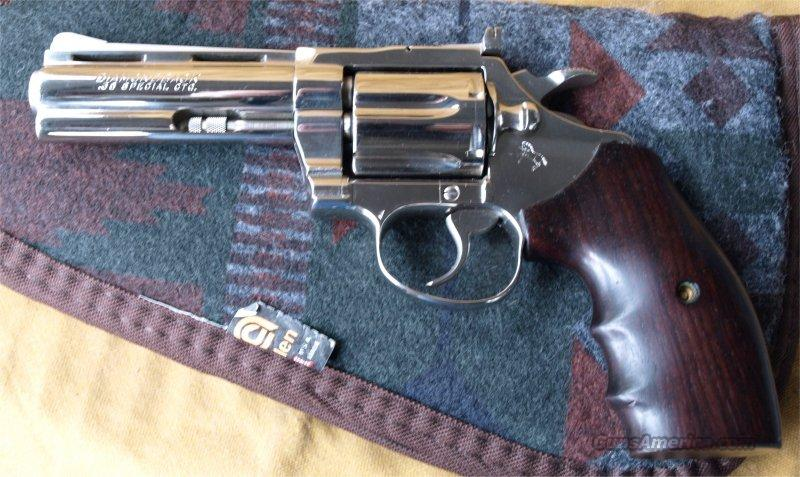 Colt Diamond Back NICKLE 38 Special  Guns > Pistols > Colt Double Action Revolvers- Modern