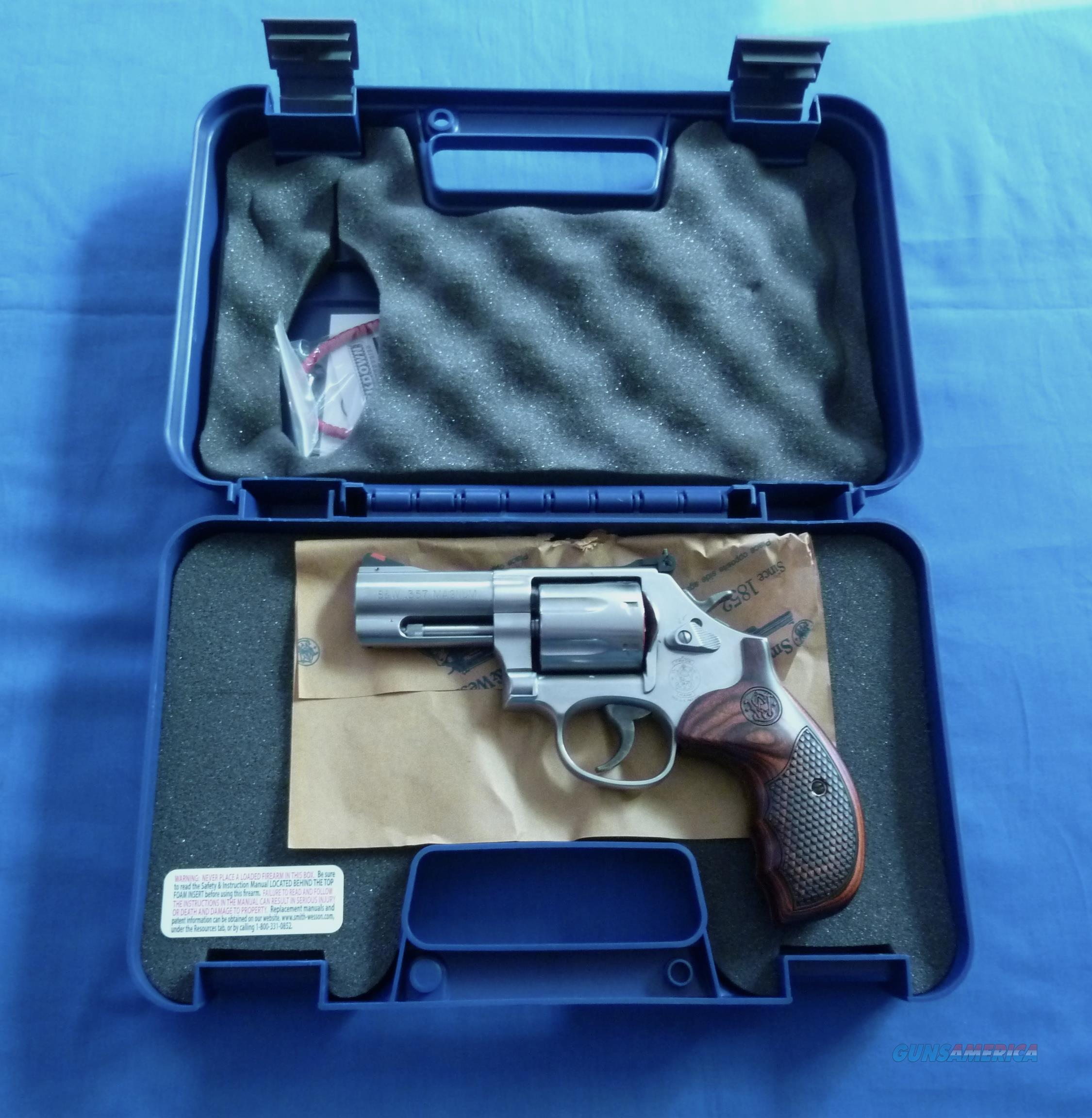 SMITH & WESSON 686 PLUS DELUXE 357 MAGNUM REVOLVER 7 RD. CAPACITY  Guns > Pistols > Smith & Wesson Revolvers > Med. Frame ( K/L )