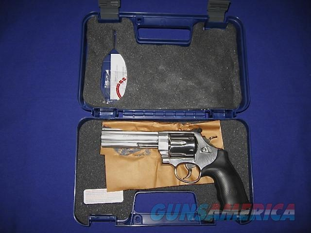 Smith and Wesson Model 629 Classic 44 Magnum Revolver  Guns > Pistols > Smith & Wesson Revolvers > Model 629
