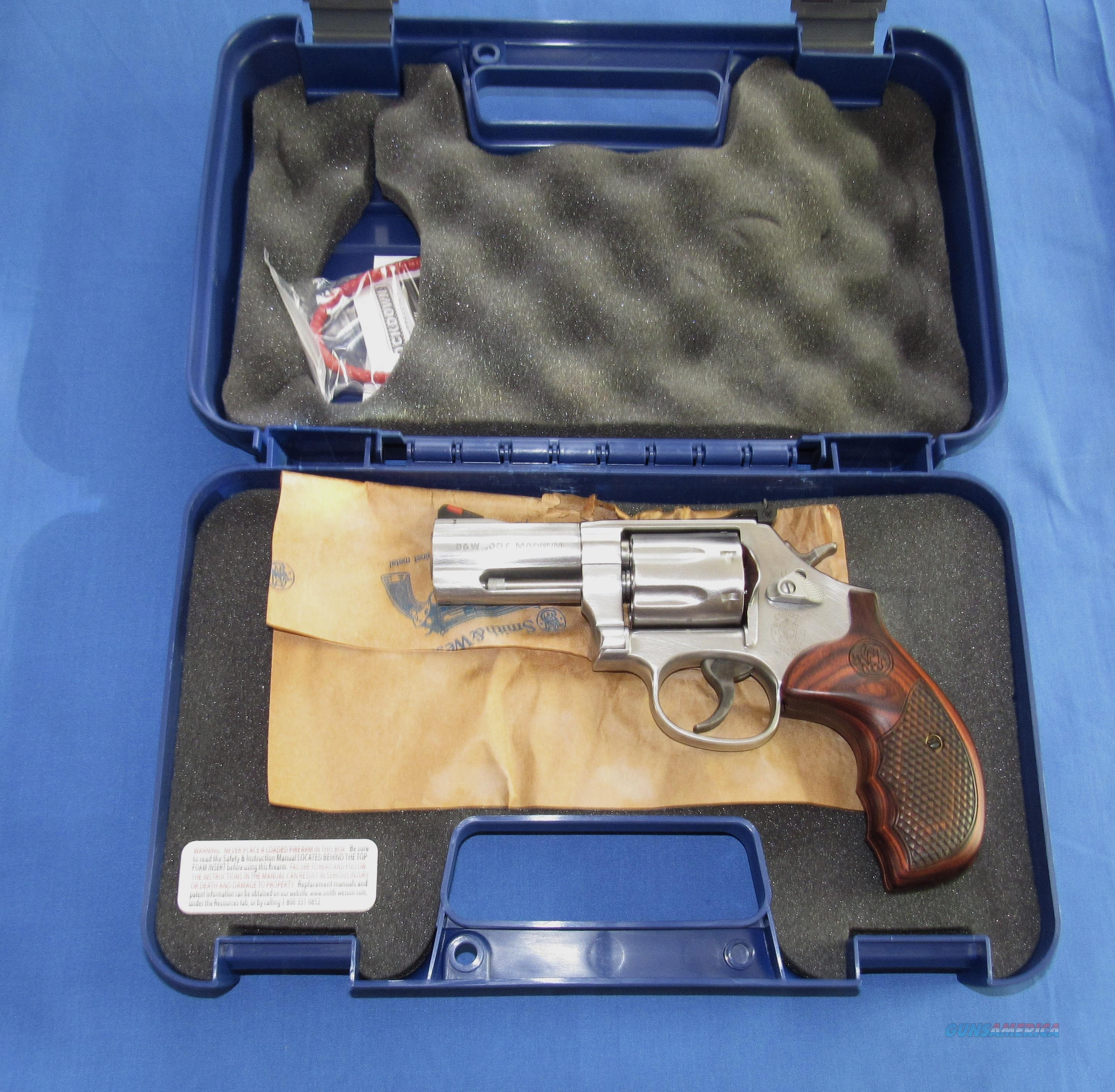 SMITH & WESSON 686 PLUS DELUXE 357 MAGNUM REVOLVER  Guns > Pistols > Smith & Wesson Revolvers > Med. Frame ( K/L )