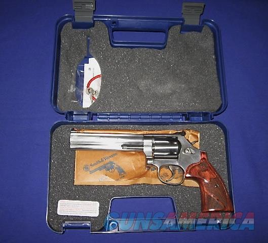 Smith and Wesson 686 Deluxe 357 Magnum Revolver TALO Distributors Edition  Guns > Pistols > Smith & Wesson Revolvers > Full Frame Revolver