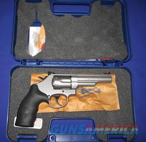 Smith & Wesson Model 66 357 MAG Combat Magnum Revolver  Guns > Pistols > Smith & Wesson Revolvers > Full Frame Revolver