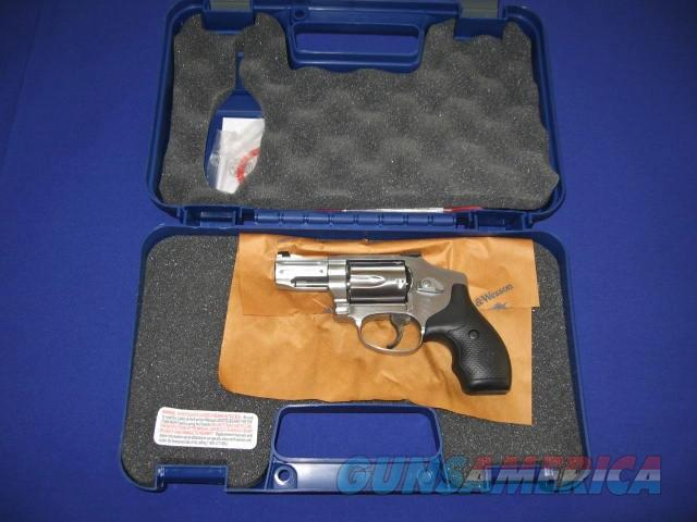 Smith & Wesson Model 640 Pro Series 357 Magnum revolver w/Moon Clips  Guns > Pistols > Smith & Wesson Revolvers > Pocket Pistols