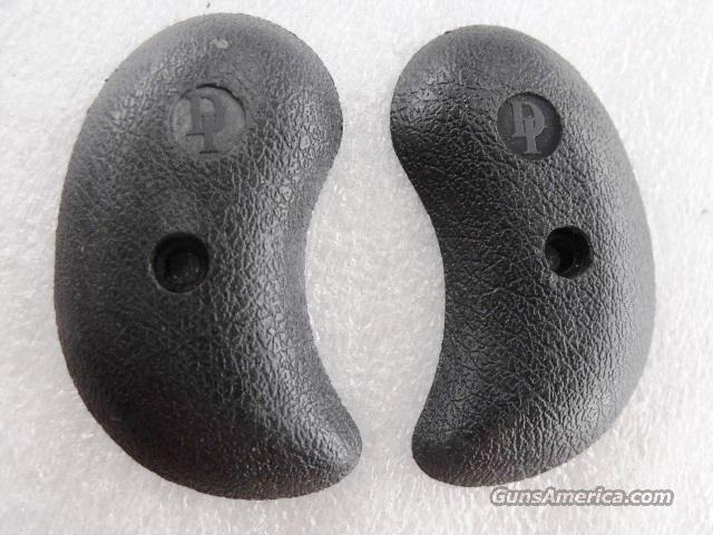 Davis Derringer Factory Grips Black Polymer DM22 DM32 No Screw GRDM22P  Non-Guns > Gun Parts > Grips > Other