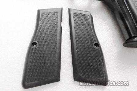 FEG Hungarian Grips for Browning Hi-Power copies PJK-9HP  Kassnar Daly 1990s Production Black Polymer Unissued adaptable to Browning Hi-PowerScrews Not Included 9HP Buy 3 Ships Free  Non-Guns > Gun Parts > Grips > Other