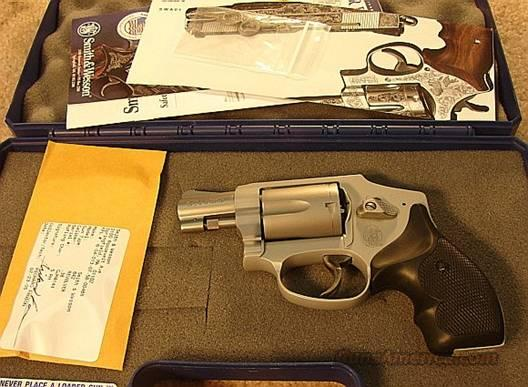 S&W 642-2 Airweight Centennial Sts/Alloy .38 Spl +P Mint in Box  Guns > Pistols > Smith & Wesson Revolvers > Pocket Pistols