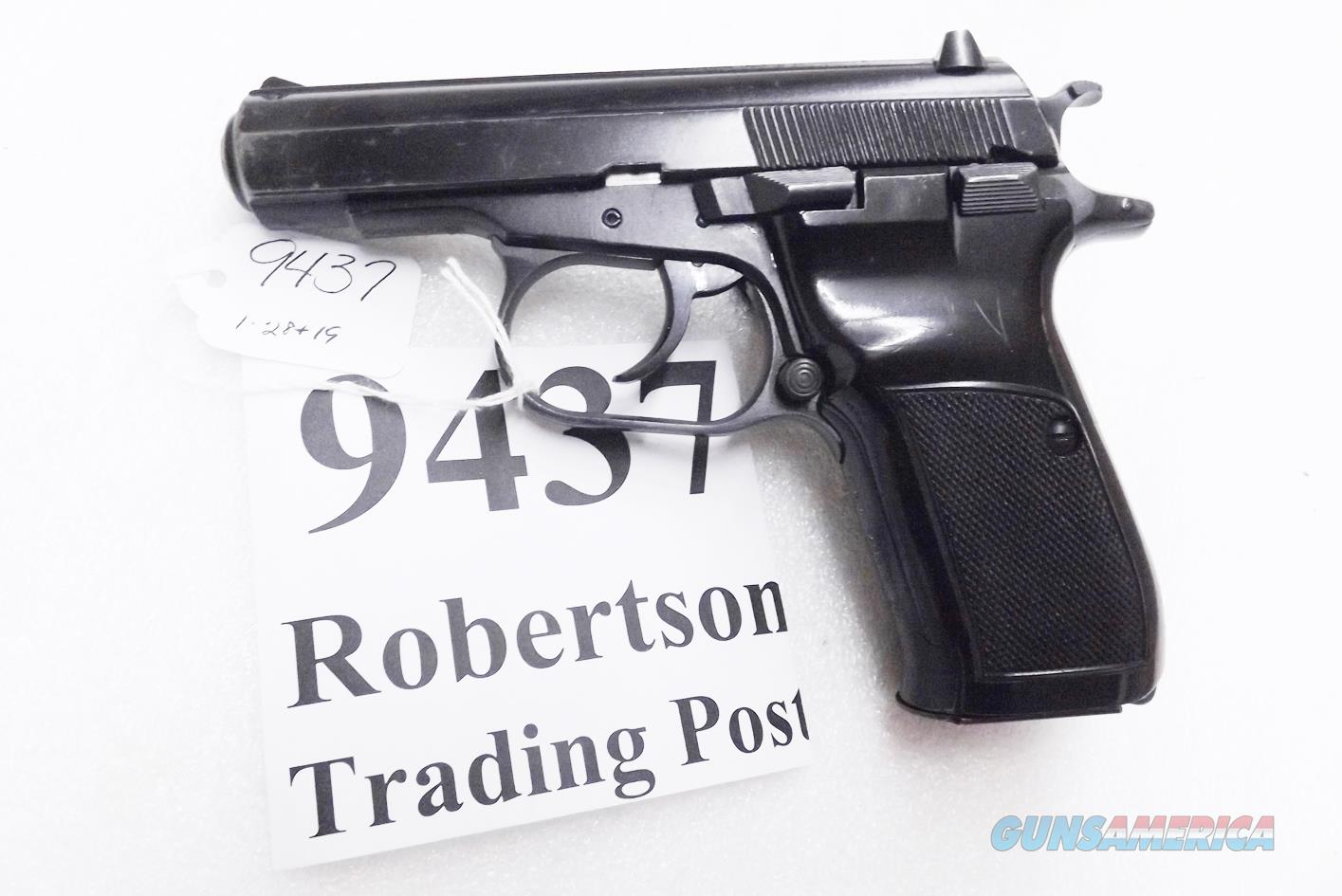 CZ82 9x18mm Makarov VG+ 1992 DA SA C&R CA OK 01301 type 13 shot polygonal, 10 round Magazine sub available   Guns > Pistols > CZ Pistols