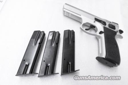 CZ-75 CZ-85 Factory Magazine 15 Shot 9mm EAA Witness FIE Excam TA90 Bernardelli NIB Clip for CZ75 CZ85   Non-Guns > Magazines & Clips > Pistol Magazines > Other
