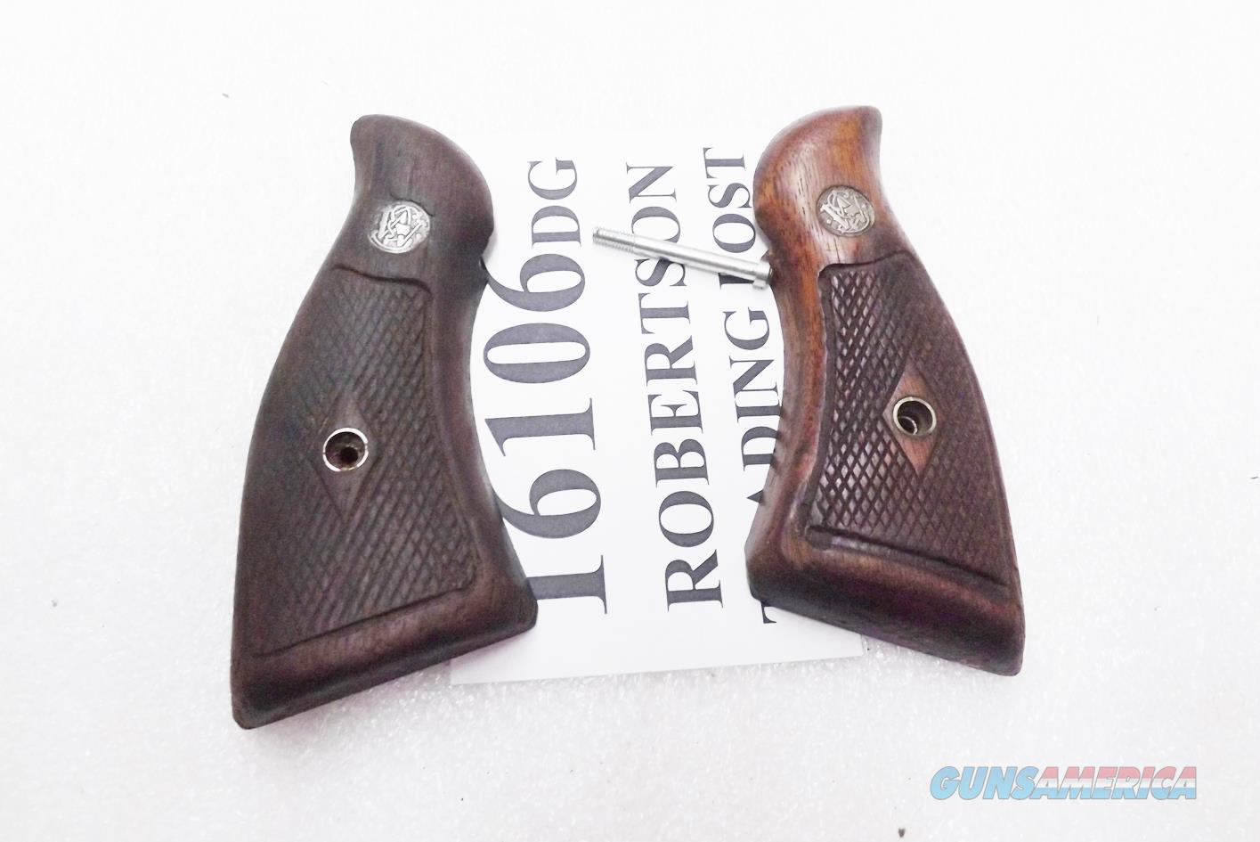 Smith & Wesson Factory Grips K L Frame Square Butt Revolvers Magna Service Diamond Walnut Good Condition 1960s Models 10 13 14 15 16 17 18 19   Non-Guns > Gunstocks, Grips & Wood