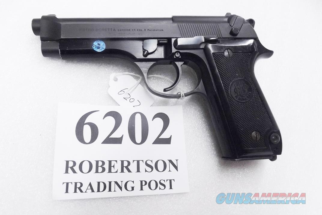 Beretta 9mm model 92S Italy Military Police Italian Carabinieri VG+ JS92F300M type / ancestor c1978 w1 15 round Magazine Factory Gloss Anodized Frame, Oxide Finish Barrel & Slide +GM  Guns > Pistols > Beretta Pistols > Model 92 Series