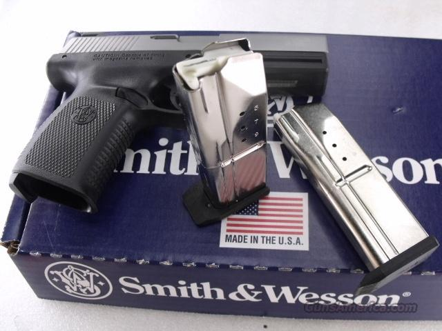 Smith & Wesson SW9VE 9mm Factory 10 round Magazine 19181 CA OK S&W Sigma Series SW9V SW9VE SW9F Buy 3 Ships Free!	  Non-Guns > Magazines & Clips > Pistol Magazines > Smith & Wesson