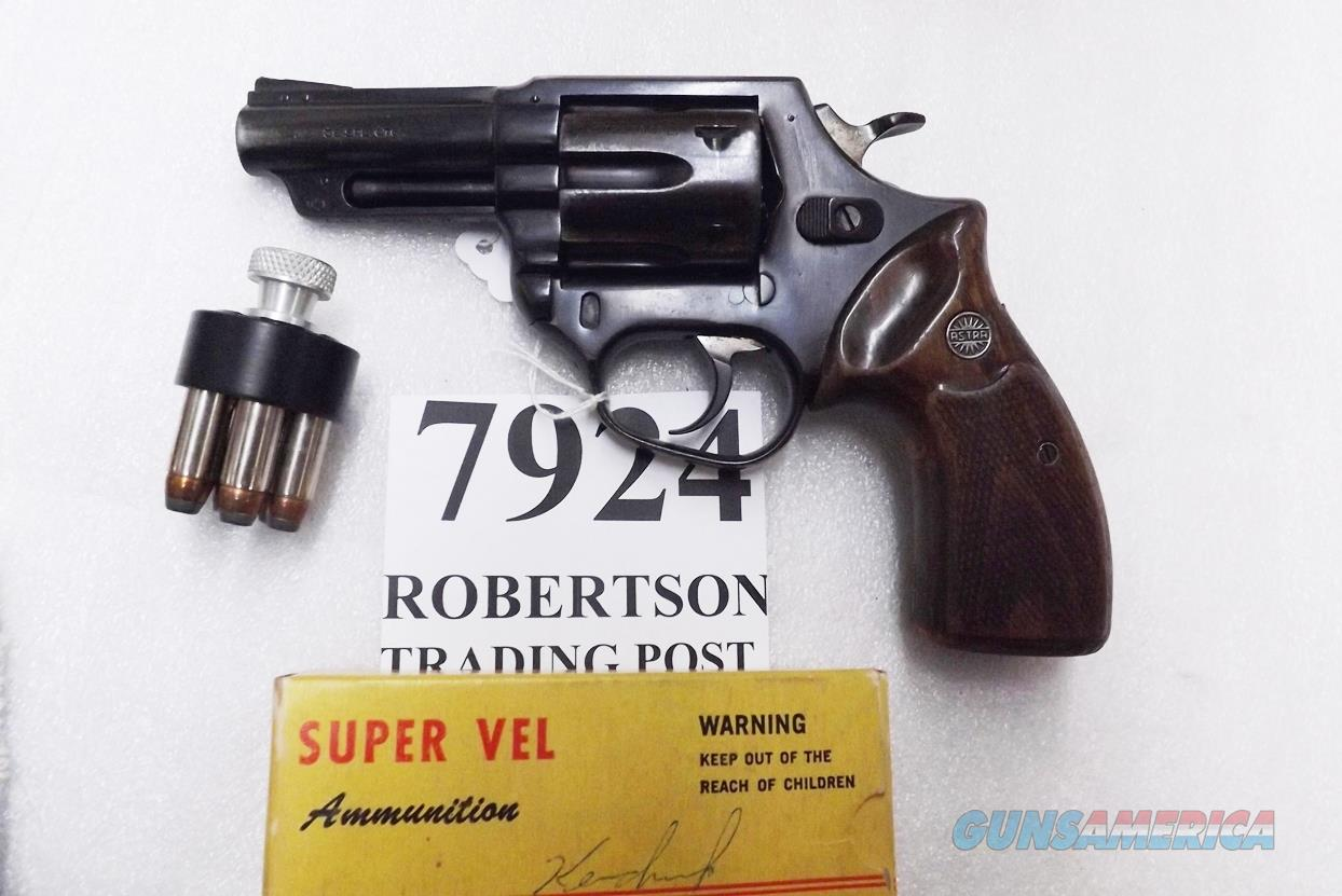 Astra Spain .38 Special Police model Large Frame Revolver 6 Shot 3 inch Blue Steel & Walnut Grips Good 1985 Guernica Vitoria Basque Municipal Police Issue +P OK  Guns > Pistols > Astra Pistols