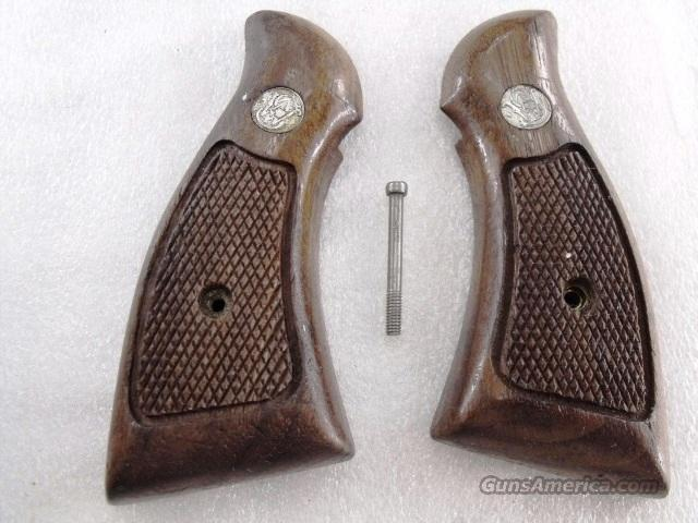 Grips S&W K or L Frame Square Butt Very Good Condition 1970s   Non-Guns > Gunstocks, Grips & Wood