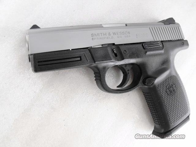 S&W .40 model SW40VE Stainless 17 Shot 2 Mags Near Mint in Box   Guns > Pistols > Smith & Wesson Pistols - Autos > Polymer Frame