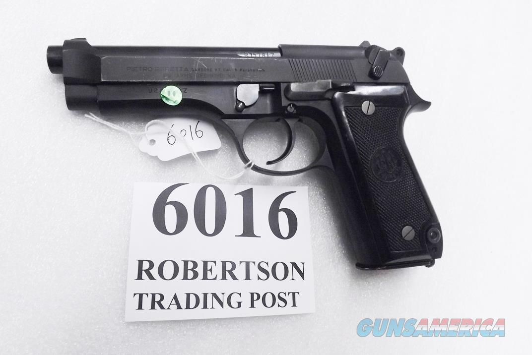 Beretta 9mm model 92S Italy Military Police Italian Carabinieri VG JS92F300M type / ancestor c1978 w1 15 round Magazine Factory Brunitron Frame, Oxide Finish Slide & Blue Barrel VROB  Guns > Pistols > Beretta Pistols > Model 92 Series