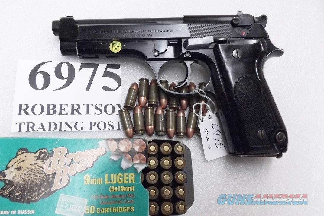 Beretta 9mm model 92S Italy Military Police Italian Carabinieri VG JS92F300M type / ancestor c1978 w1 15 round Magazine Factory Gloss Anodized Frame, Oxide Barrel, Brunitron Slide VGRO  Guns > Pistols > Beretta Pistols > Model 92 Series
