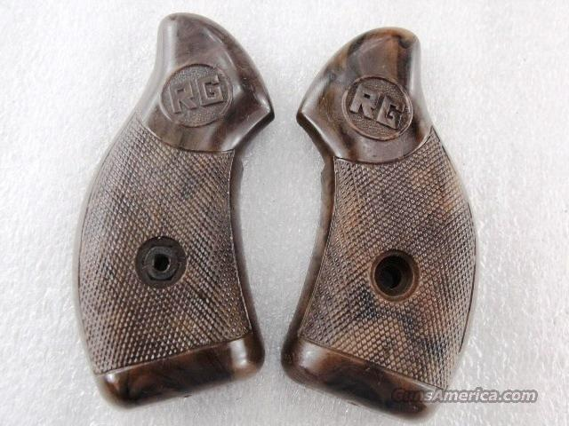 RG14 Factory Grips Rohm 22 Revolver Not for 14S Brown No Screws GRRG14  Non-Guns > Gunstocks, Grips & Wood