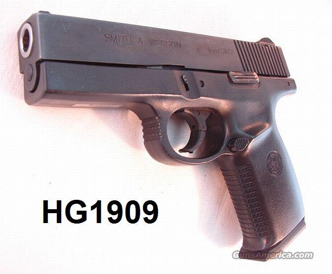 S&W .40 SW40C VG w/2 Hi-Cap Mags  Guns > Pistols > Smith & Wesson Pistols - Autos > Polymer Frame