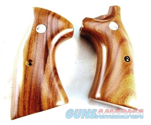 Grips S&W K or L Square Butt Smooth Target New Factory Brown Laminate with Logos Smith & Wesson Models 10 13 14 15 17 18 19 64 65 66 581 586 681 686   Non-Guns > Gun Parts > Grips > Smith & Wesson
