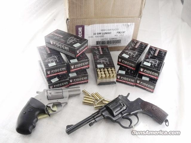 Ammo: .32 S&W Long 500 Round Lot of 10 Boxes 97 grain FMC Fiocchi 32 Smith & Wesson Long Caliber OK for 32 H&R Mag, 32 Russian Nagant, and 327 Federal Magnum Revolvers Full Metal Case Jacket Ammunition Cartridges   Non-Guns > Ammunition