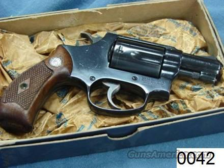 """Smith & Wesson Chief's Special 2"""" Blue 1962 Flat Latch Near-Mint in Box 36 No Suffix  Guns > Pistols > Smith & Wesson Revolvers > Pocket Pistols"""