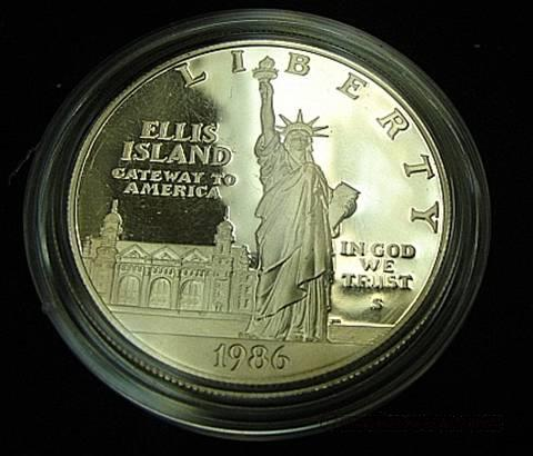 Silver Proof 1986 Statue of Liberty Dollar BU in Mint Air-tite  Non-Guns > Curios