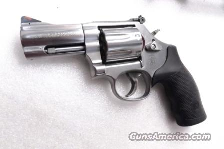S&W .357 Magnum 686-6 Plus Stainless 3 inch Full Lug 7 Shot 357 Mag 38 Special .38 Spl Interchangeably Smith & Wesson model 686+ Plus 164300 Near Mint in Box  Guns > Pistols > Smith & Wesson Revolvers > Full Frame Revolver