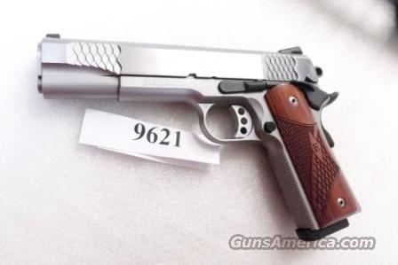 S&W .45 ACP Model 1911 Stainless E Series Enhanced 5 inch Government Model Rosewood Laminate Novak 3 Dot 9 Shot 2 Colt 45 Automatic Magazines Excellent in Box   Guns > Pistols > Smith & Wesson Pistols - Autos > Steel Frame