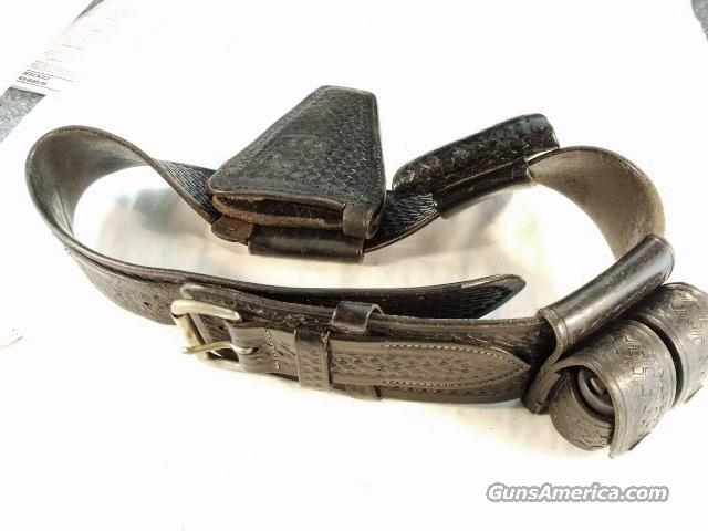 Police Leather Mixson Ranger Rig 1970s Holster Cuff Case Speedloaders VG  Non-Guns > Holsters and Gunleather > Police Belts/Holsters
