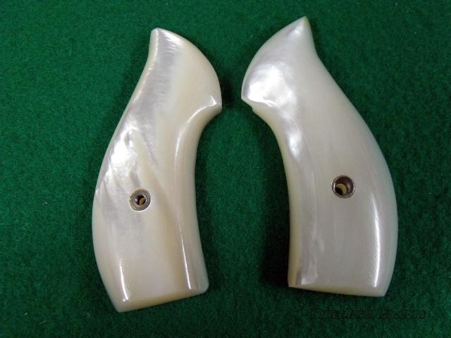 Grips S&W J-Round genuine Mother-of-Pearl Exc  Non-Guns > Gunstocks, Grips & Wood