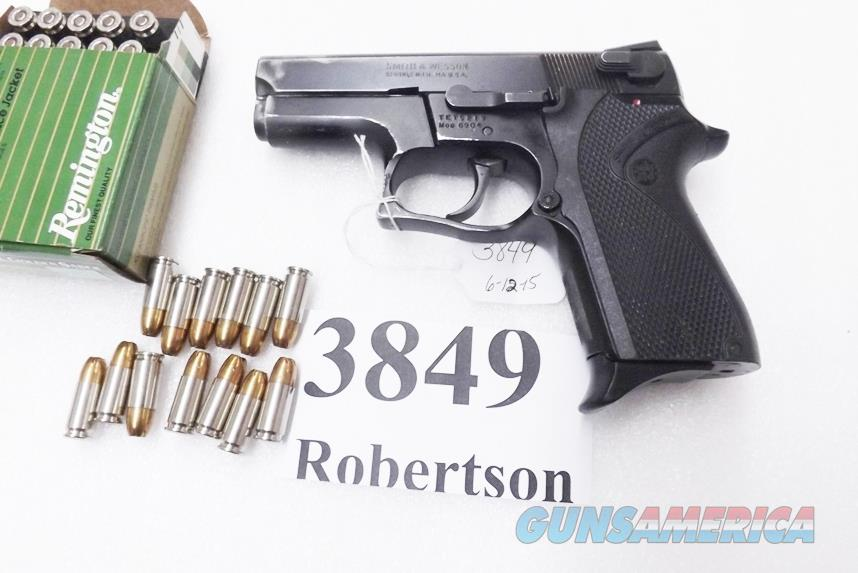 Smith & Wesson 9mm model 6904 Lightweight 13 Shot Compact 3 Dot 3 Safeties 1 Magazine 103106  Guns > Pistols > Smith & Wesson Pistols - Autos > Alloy Frame