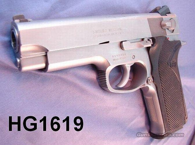 S&W .45 ACP 4566 Commander Sz Stainless VG-Exc Box & 2 Mags 1992  Guns > Pistols > Smith & Wesson Pistols - Autos > Steel Frame