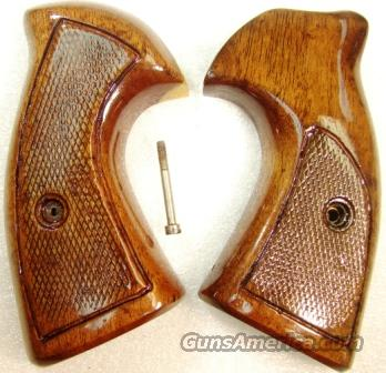 Grips S&W K L Square Butt Target Late 1970s Sile Walnut Excellent Refinish Smith & Wesson   Non-Guns > Gunstocks, Grips & Wood