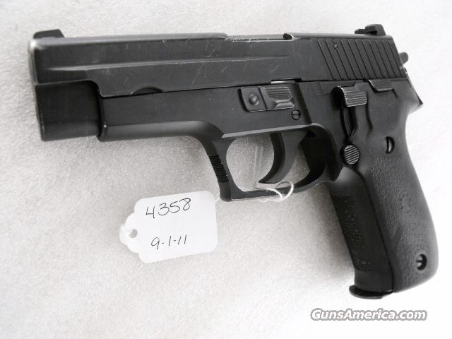 Sig 9mm P-226 German / Swiss Police Lucerne VG 2004 with One High Capacity 15 Shot Factory LE Magazine Sig Arms Sauer P226 model   Guns > Pistols > Sig - Sauer/Sigarms Pistols > P226