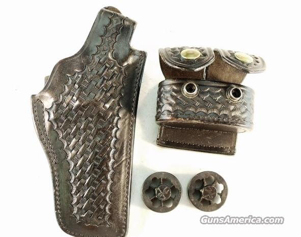 Holster Safariland 29 S&W 4 in K, Speedloader Case & 2 Loaders  Non-Guns > Holsters and Gunleather > Police Belts/Holsters