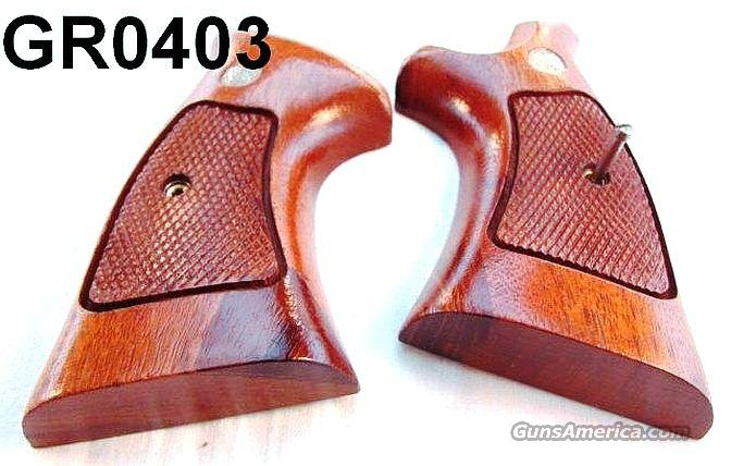 Grips S&W N-Square Target Grips Exc 1984 w/Cut  Non-Guns > Gun Parts > Grips > Smith & Wesson