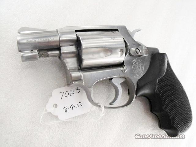 Smith & Wesson model 60 no Suffix 2 inch Stainless Snub Satin Stainless Trigger Hammer Nose 'way Pre-Lock No Floater Exc mfg 1988 Cable Guy Estate  Guns > Pistols > Smith & Wesson Revolvers > Pocket Pistols