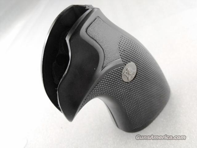 Ruger Redhawk Grips Pachmayr RHK New Traditional GRRHK  Non-Guns > Gunstocks, Grips & Wood