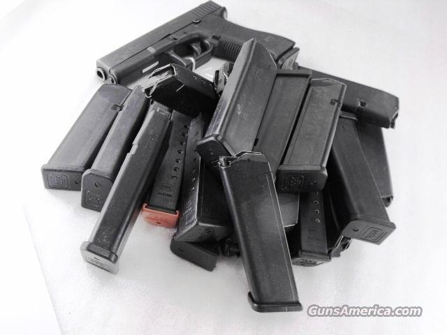 Lots of 3 or more Glock 17 Factory 10 Shot Magazine Very Good CA OK fits Glock models 17 19 26 and Kel-Tec SUB 2000 $23 per in 3 lots  Non-Guns > Magazines & Clips > Pistol Magazines > Glock