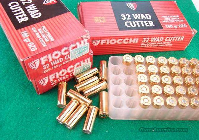 Ammo: .32 S&W Long 250 Round Lot of 5 Boxes 100 grain Wadcutter Fiocchi 32 Smith & Wesson Caliber OK for 32 H&R Mag and 327 Federal chambered Guns   Non-Guns > Ammunition