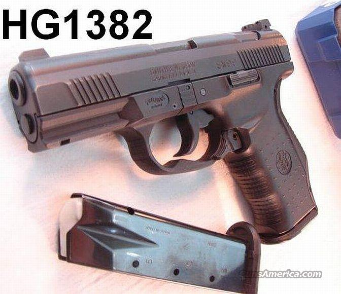 Walther / S&W 9mm 17 Shot SW99 Night Sights Exc in Box w/2 Mags   Guns > Pistols > Smith & Wesson Pistols - Autos > Polymer Frame