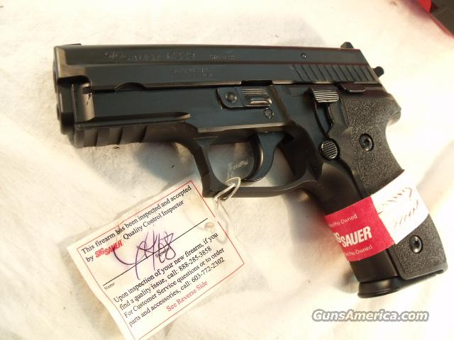 Sig Arms .40 P229 CPO Certified Pre Owned Exc in Red Box Sauer 40 S&W P-229   Guns > Pistols > Sig - Sauer/Sigarms Pistols > P239