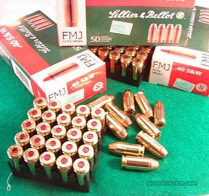 Ammo: .40 S&W S&B CZ 250 Round Lot of 5 Boxes 180 grain Full Metal Case Brass 985 fps Sellier & Bellot Czech Republic 40 Smith & Wesson Ammunition Cartridges  Non-Guns > Ammunition
