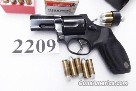 Rossi .44 Magnum model R441 Blue 2 inch Snub .44 Special 720 descendant Excellent in Box with Service Warranty 44 Spl Mag 5 Shot R44102 Taurus 44C Tracker Frame  Guns > Pistols > Rossi Revolvers