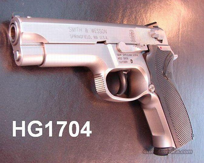 S&W 5906 Exc in Box w/NS 2 Mags   Guns > Pistols > Smith & Wesson Pistols - Autos > Steel Frame