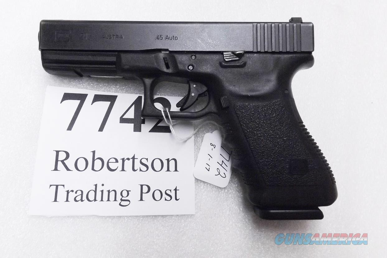 Glock .45 ACP model 21 Black 14 Shot with 1 High Capacity 13 Shot Magazine VG U-Dot Sights PI2150202 2002 Tennifer / Nitride Green Bay WI Police Dept . 3 Dot  Guns > Pistols > Glock Pistols > 20/21
