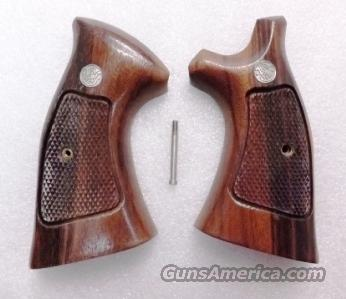 Grips S&W K L Square Butt Target 1985 Goncalo Alves Excellent Unfired Factory Smith & Wesson Will not fit Round Butt variants  Non-Guns > Gun Parts > Grips > Smith & Wesson