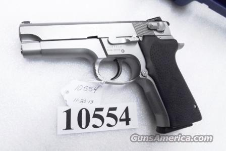 S&W 9mm 5906 Steel Stainless Excellent Matte Stainless Bead Finish 16 Shot with 2 Factory Magazines in Smith & Wesson Factory Blue Box 180176  Guns > Pistols > Smith & Wesson Pistols - Autos > Steel Frame