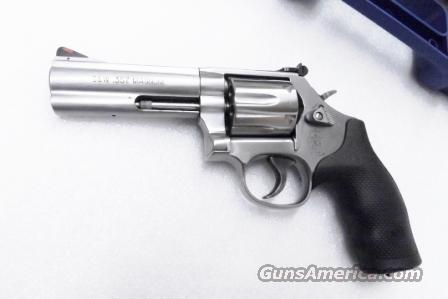 Smith & Wesson .357 Magnum model 686-6 Stainless 4 inch Full Lug Heavy Barrel Red Ramp White Outline Adjustable 6 Shot 357 Mag 38 Special Interchangeably NIB  Guns > Pistols > Smith & Wesson Revolvers > Full Frame Revolver